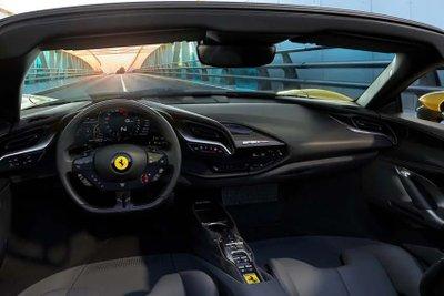 Ferrari SF90 Spider đảm bảo cung cấp trải nghiệm lái khó quên.