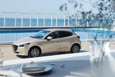 """Mazda2 đời 2021 nâng cấp """"sang chảnh"""" ra mắt thị trường Nhật Bản."""
