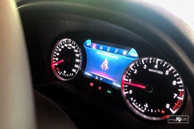Chạy chưa được 1.000km, VinFast Lux SA2.0 2021 bán lại giá hấp dẫn a8