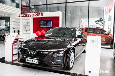 khách mua mẫu xe sedan Lux A2.0 có thể sử dụng voucher VinHomes mệnh giá 200 triệu đồng.