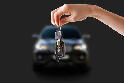 Trên hầu hết các xe hiện đại, tài xế có thể tắt máy ngay sau khi dừng xe.