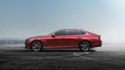 Genesis G80 Sport 2022 cực kỳ bắt mắt với màu sơn đỏ đặc trưng.