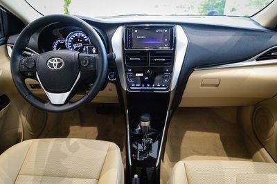 Bên trong chiếc xe Toyota Vios 5 chỗ.