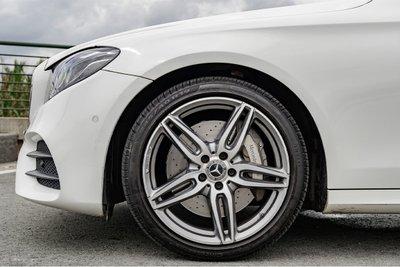 Mercedes-Benz là một trong những hãng xe sang sử dụng lốp run-flat.