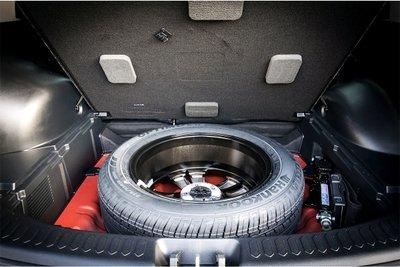 Thông thường lốp dự phòng sẽ có khoang lốp riêng trong khoang chứa hành lý.