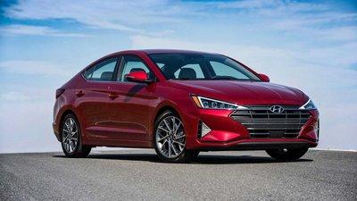 Hyundai Elantra hiện có giá niêm yết từ 580 - 769 triệu đồng