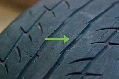 Các lái xe cần kiểm tra độ mòn của cả 4 lốp xe.
