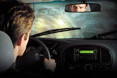 Vào mùa mưa người dùng cần lưu ý kiểm tra tình trạng hoạt động của một số bộ phận trên xe để đảm bảo an toàn