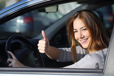 Lái xe để giải tỏa căng thẳng trong cuộc sống hàng ngày.