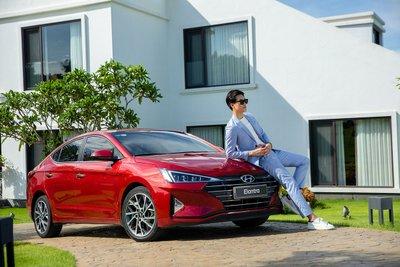 Hyundai Elantra phải vượt qua là Kia Cerato và Mazda3