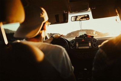 Nhiệt độ động cơ quá nhiệt sẽ khiến xe ô tô tiêu hao nhiên liệu nhiều hơn.