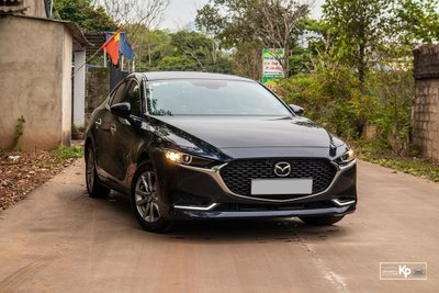 Mazda 3 doanh số 319 xe bán ra trong tháng 6.
