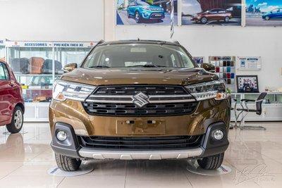 Suzuki XL7- mẫu xe bán chạy thứ 2 trong phân khúc, chiếm 17% thị phần phân khúc. 1