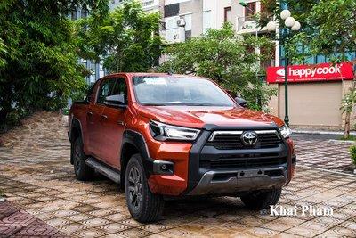 Toyota Hilux là trường hợp hiếm hoi tăng trưởng doanh số 1