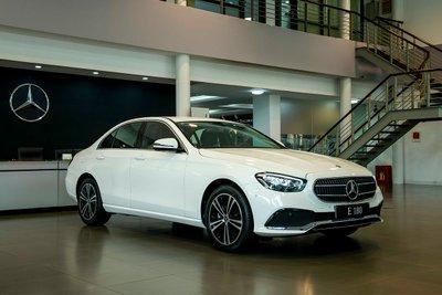 Mercedes-Benz E 180 mới được bổ sung.