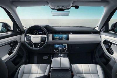 Khoang cabin Range Rover Evoque L rộng rãi.