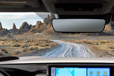 Toyota Tundra 2022 có gương chiếu hậu chống chói kết nối với HomeLink.