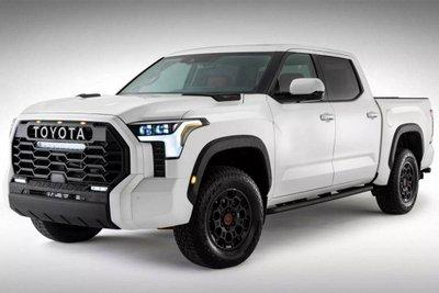 Toyota Tundra 2022 lộ diện cửa sổ trời siêu rộng.