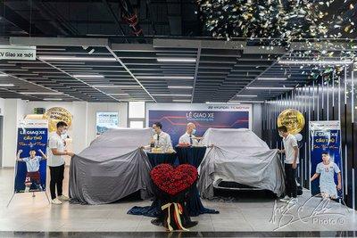 Hai hậu vệ của CLB Hà Nội mua 2 chiếc Hyundai Santa Fe 2021 bản máy dầu cao cấp.