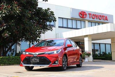 Toyota Corolla Altis sản xuẩt 2018 cũng nhận được lượng quan tâm cao.