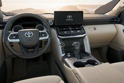 Toyota Land Cruiser 2022 bảng điều khiển trung tâm 1