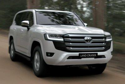 Toyota Land Cruiser 2022 trắng ngọc trai