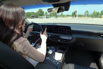 """""""Mục sở thị"""" Kia K8 2021 ngoài đời thực: Đẹp không góc chết, đối thủ lớn của Mercedes-Benz E-Class a9"""