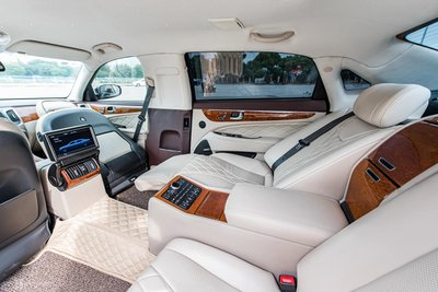 Nội thất Hyundai Equus Limousine.