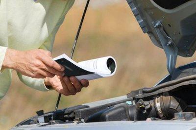 đọc hướng dẫn của nhà sản xuất ô tô