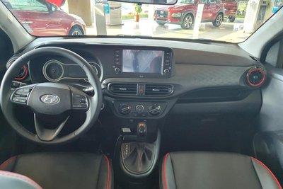 Khoang nội thất bên trong xe Hyundai Grand i10 2021 cũng có sự thay đổi. 1