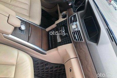 Mercedes-Benz E200 vẫn thừa hưởng thiết kế đẳng cấp vốn có của dòng xe E-Class.