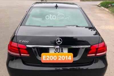 Lăn bánh 8.000km, Mercedes E200 giá ngang Mazda 6 bản thấp nhất.
