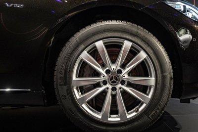 Mercedes S680 Guard lốp xe