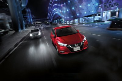 Nissan Almera 2021 ra mắt, giá cao nhất 579 triệu đồng, khách hàng đặt xe sớm nhận ngay ưu đãi 40 triệu đồng a2