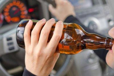 uống rượu lái xe