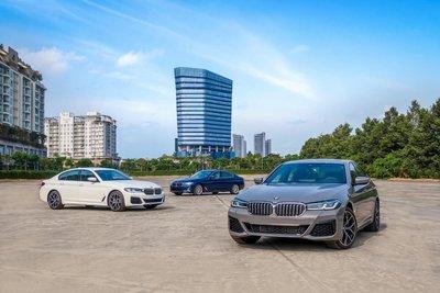 BMW 5-Seriesgiá dao động từ2,499 - 3,289 tỷ đồng. 1