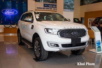 Mẫu SUV hạng D Ford Everest giảm 20 triệu đồng cho 3 phiên bản.