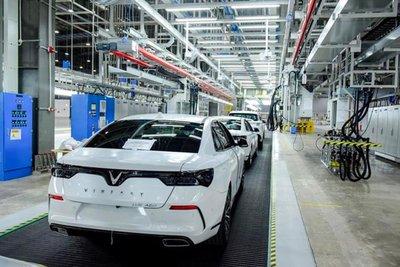 Việt Nam sản xuất hơn 185 nghìn xe ô tô trong 7 tháng đầu năm, tăng gần 40%.