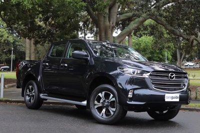 Đây là Mazda BT-50 2021 ngoài đời thực: Bán tải mềm mại liệu có thuyết phục được khách Việt? a1