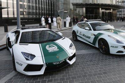 Xe cảnh sát của Dubai.