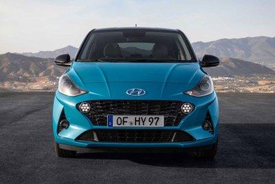 Hyundai Grand i10 là một trong những chiếc ô tô cũ giá rẻ được nhiều người ưa chuộng.