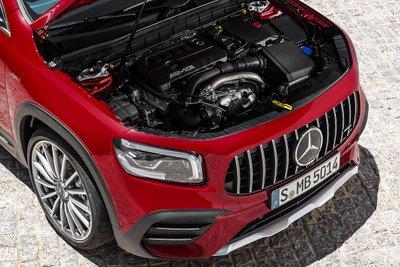 Mercedes-Benz GLB 35 4MATIC 2021 được đánh giá là SUV 7 chỗ nhanh nhất hiện nay