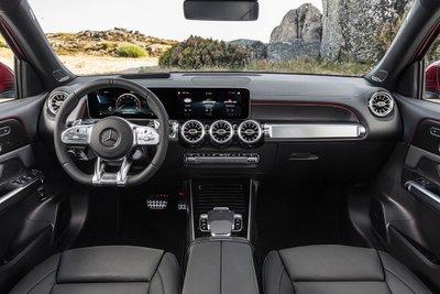 Mercedes-Benz GLB 35 4Matic 2021 ra mắt Việt Nam SUV 7 chỗ nhanh nhất hiện nay, giá gần 2,7 tỷ đồng a3