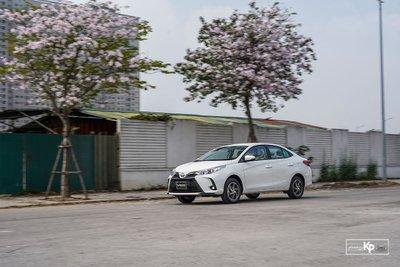 Toyota Vios tiếp tục giữ vững phong độ, vượt mặt Hyundai Accent.