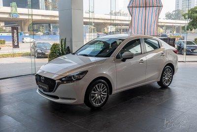 """Tháng thứ hai liên Mazda 2 Sedan bị bỏ xa so với các đối thủ còn lại, chỉ bán tốt hơn Suzuki Ciaz.tiếp, Hyundai Accent bị """"sẩy chân"""" nhưng vẫn là mẫu xe bán chạy nhất của Hyundai."""