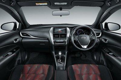 Toyota Yaris GR Sport nội thất