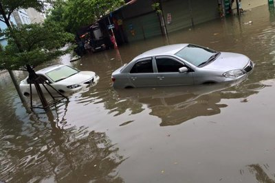 ô tô ngập nước