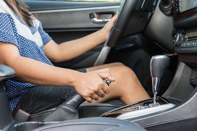 Khi xe để lâu ngày không dùng rất dễ gặp phải hiện tượng bị nặng, bó thắng.