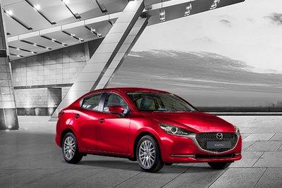 Khách mua dòng sedan Mazda2, Mazda3 trong tháng này cũng được hỗ trợ tương đương 50% lệ phí trước bạ
