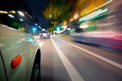 tài xế phóng nhanh vượt ẩu
